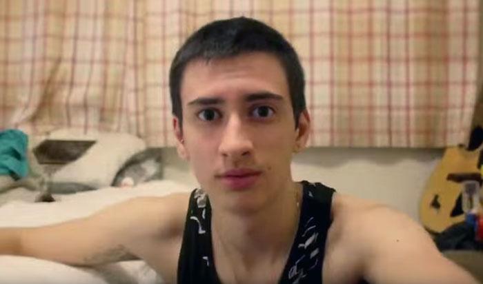 fotos selfie de un chico transgenero que documenta su cambio de mujer a hombre 10