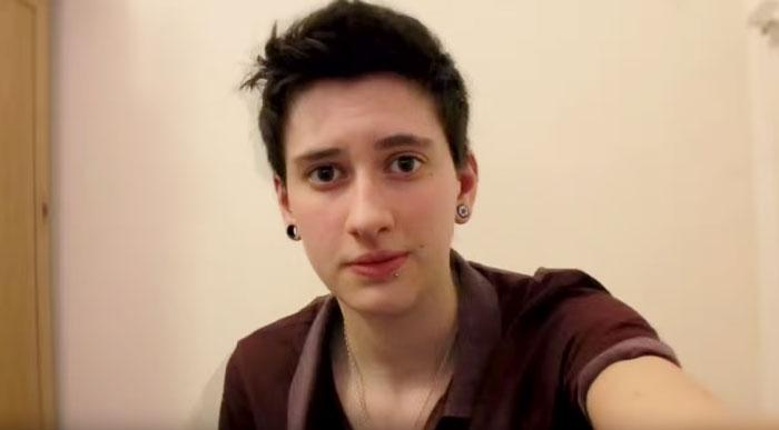 fotos selfie de un chico transgenero que documenta su cambio de mujer a hombre 3