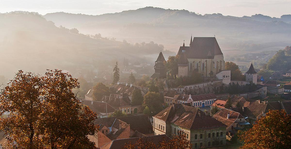 la prision matrimonial de la iglesia fortificada de biertan en transilvania