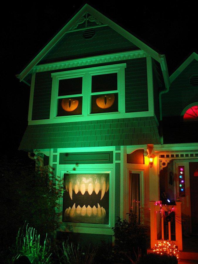 las mejores decoraciones de casas para halloween 18