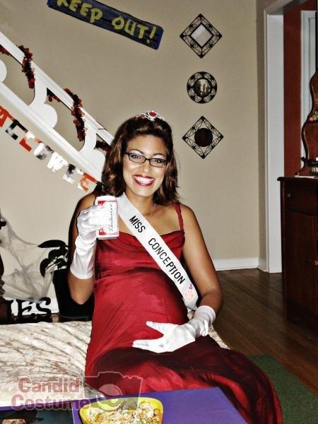 los mejores disfraces de halloween para embarazadas 4