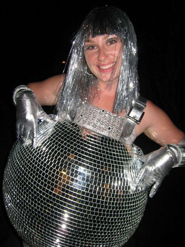 los mejores disfraces de halloween para embarazadas 5