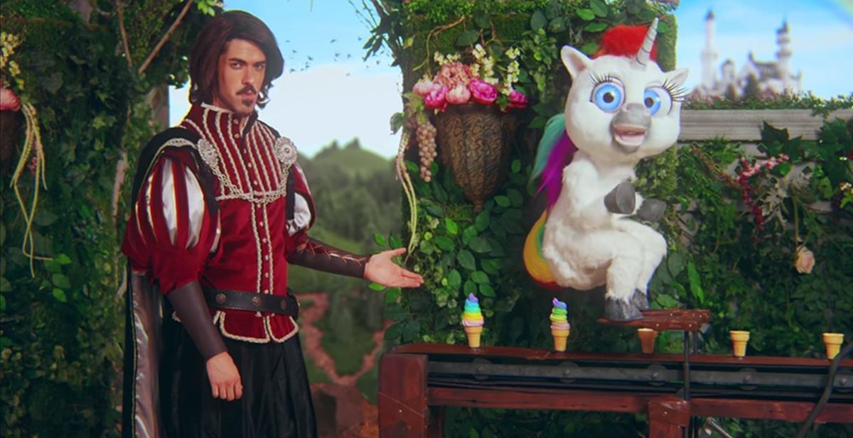 squatty potty el anuncio mas bizarro que hemos visto jamas