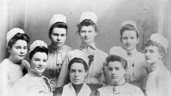 9 cosas que tenian que hacer do fora obligatoria las enfermeras en 1887 8