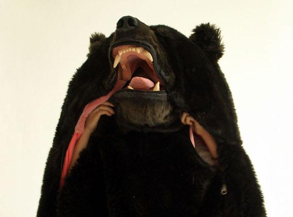 el saco de dormir con forma de oso de eiko ishizawa 3