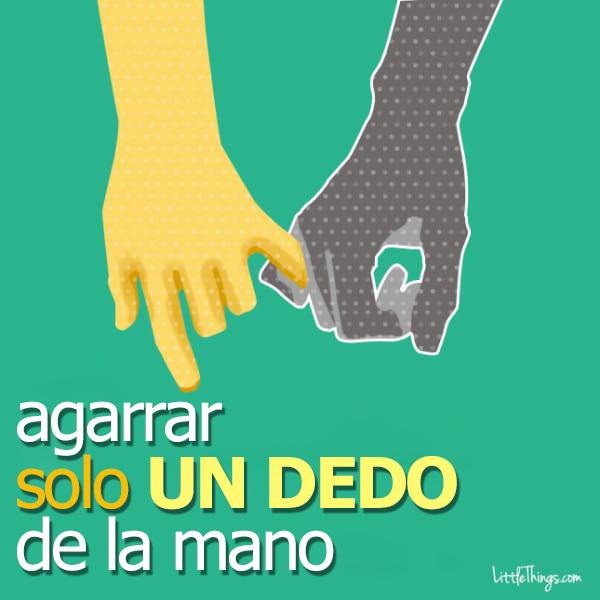 formas de agarrarse la mano entre parejas 14