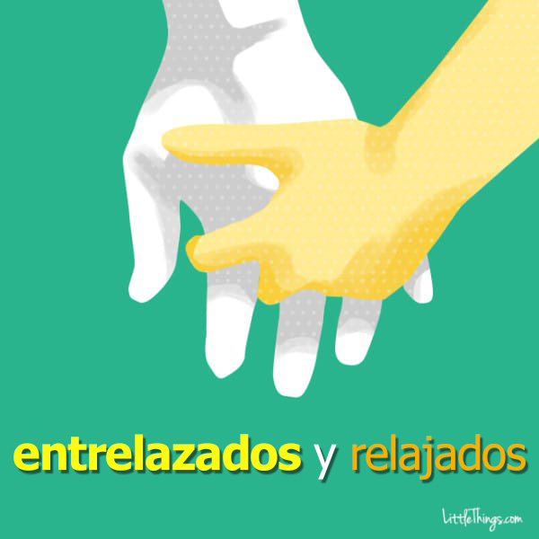 formas de agarrarse la mano entre parejas 18