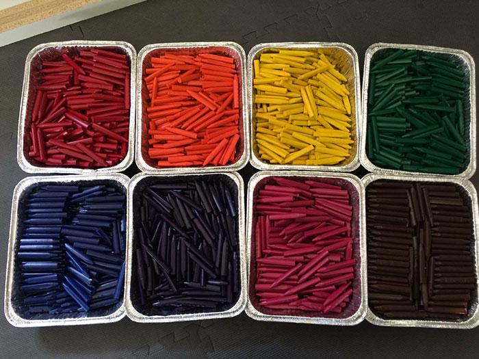 la excelente y solidaria idea de un hombre para reciclar los lapices de colores 6