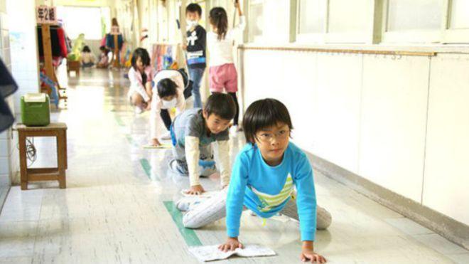 limpieza aulas japon 1