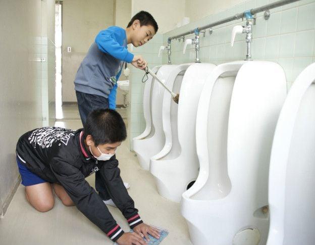 limpieza aulas japon 3