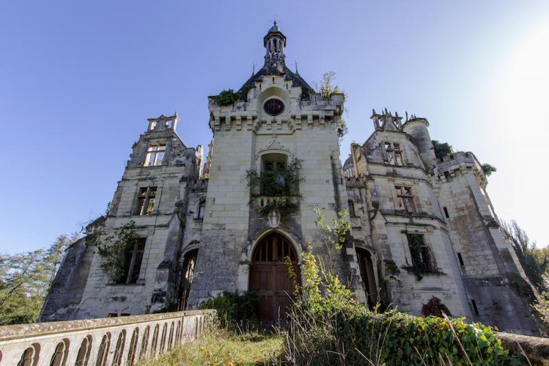 un castillo que parece sacado de una pelicula de disney 4