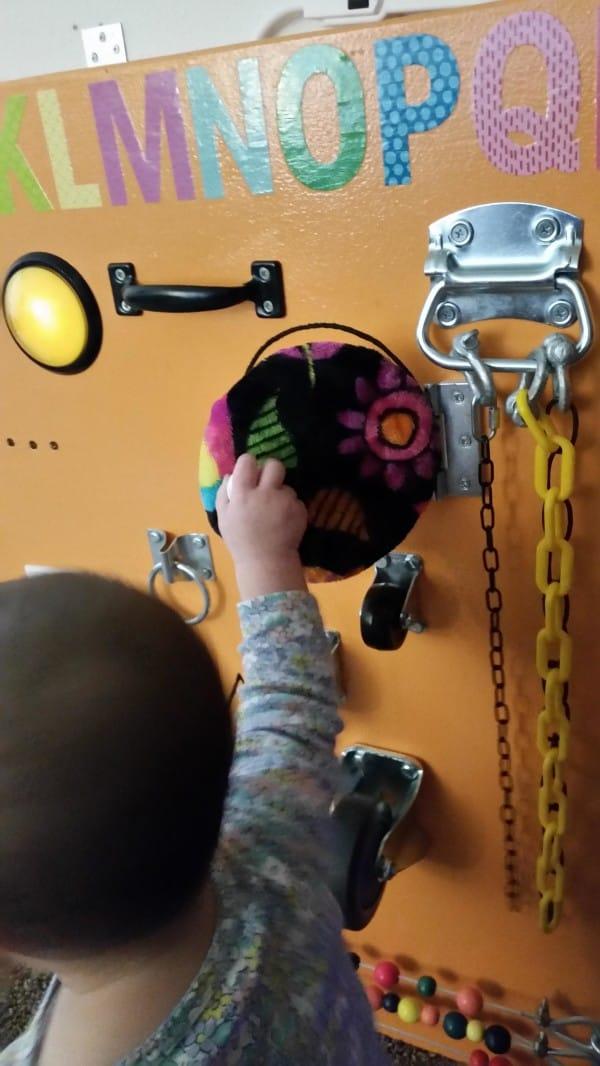 caomo fabricar una mesa de actividades para tus hijos con tus propias manos 16