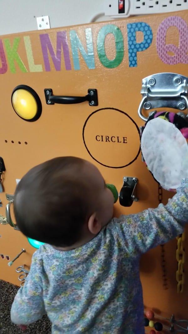 caomo fabricar una mesa de actividades para tus hijos con tus propias manos 17