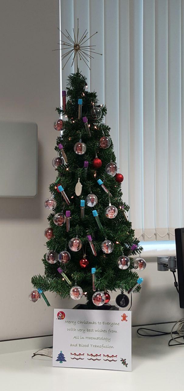 decoraciones navideñas en los hospitales 13
