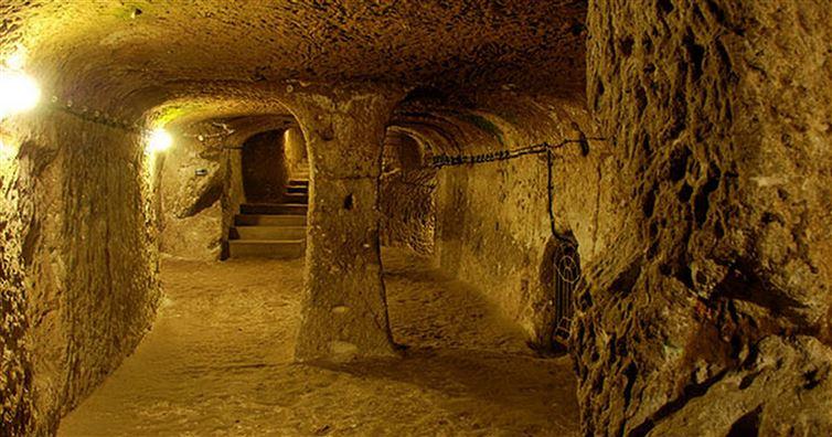 derinkuyu, la ciudad eexcavada en la piedra 1