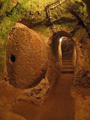 derinkuyu, la ciudad eexcavada en la piedra 14