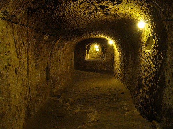 derinkuyu, la ciudad eexcavada en la piedra 2
