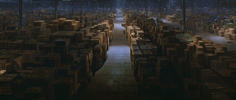 El almacén donde guardan el arca perdida en Indiana Jones es una pintura