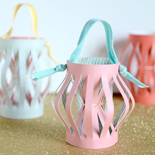 farolillos hechos de papel