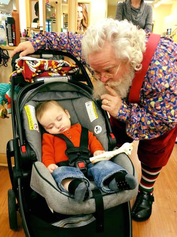 las fotos mas tiernas de un niño y santa claus que vas a ver hoy 2