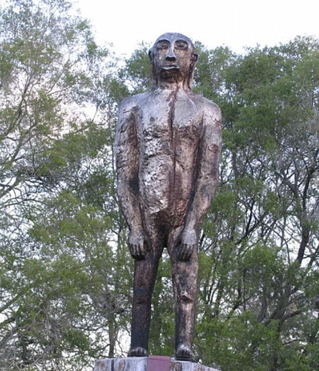 Monumento al Yowi, la versión australiana del mítico hombre simio.