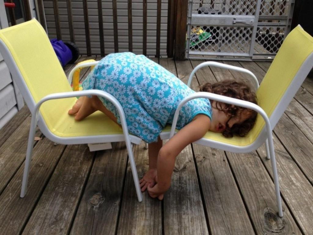 ninos-dormidos-en-cualquier-lugar16