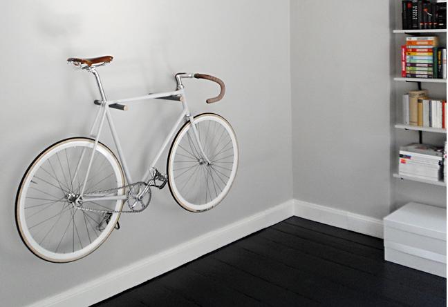 velocipedo-colgado