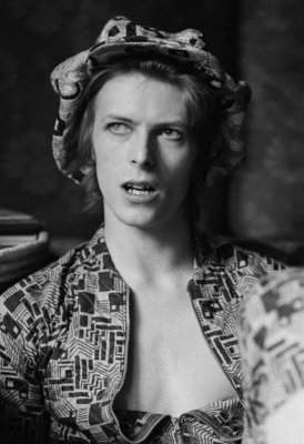 Singer David Bowie being interviewed at home in Beckenham, London on April 24, 1972. (Photo by Michael Putland/Getty Images)