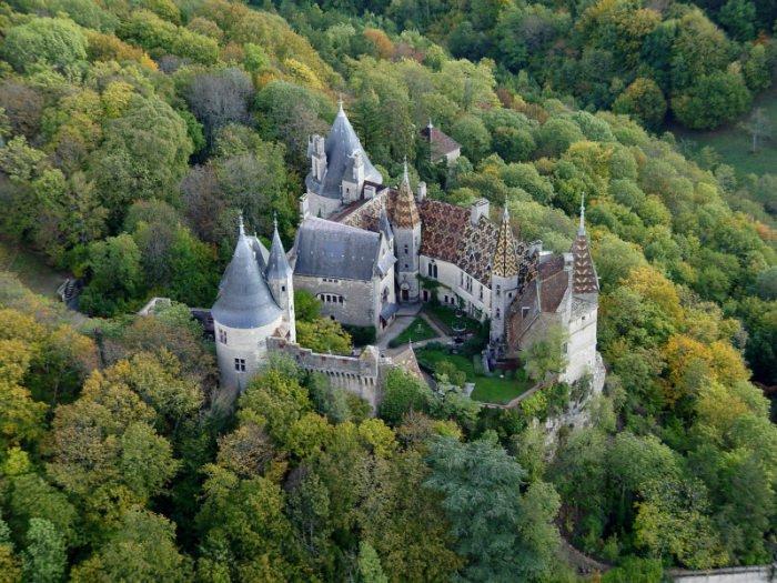 castillo-la-rochepot-1