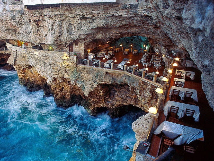 hotel restaurante en gruta italiana 1