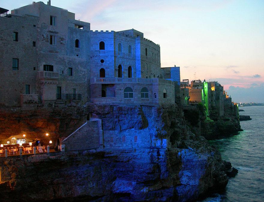 hotel restaurante en gruta italiana 10