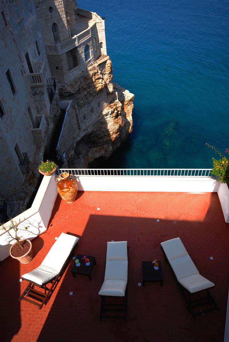hotel restaurante en gruta italiana 14