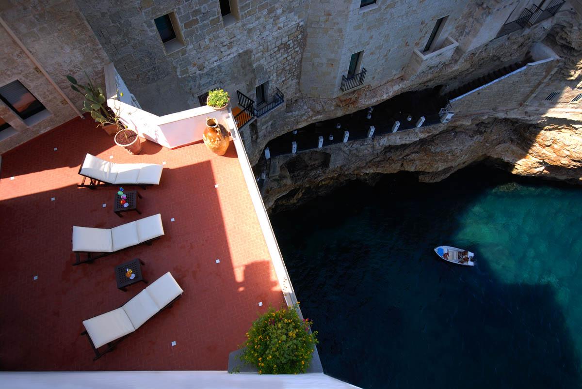 hotel restaurante en gruta italiana 15