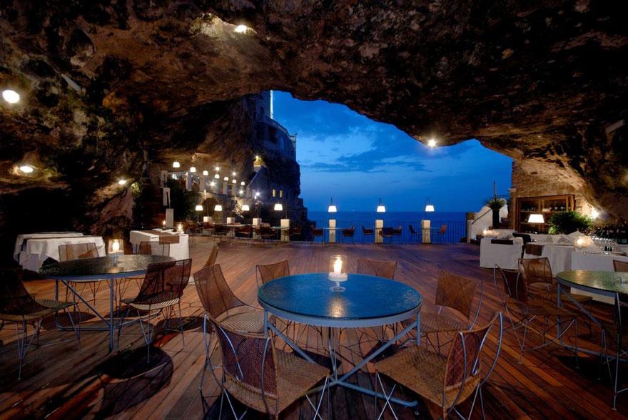 hotel restaurante en gruta italiana 2