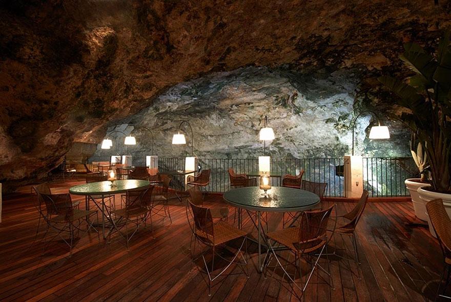hotel restaurante en gruta italiana 4