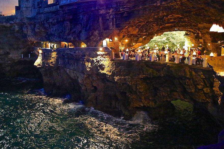 hotel restaurante en gruta italiana 5