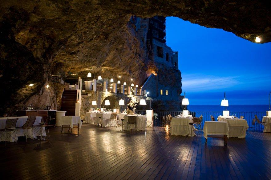 hotel restaurante en gruta italiana 7
