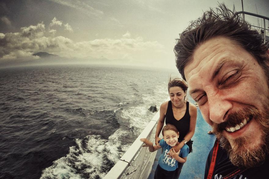 viaje de 28000 km a traves de europa con su hija y su mujer 29