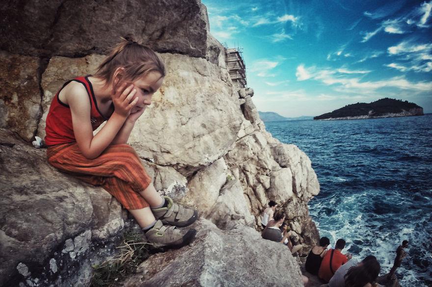 viaje de 28000 km a traves de europa con su hija y su mujer 34