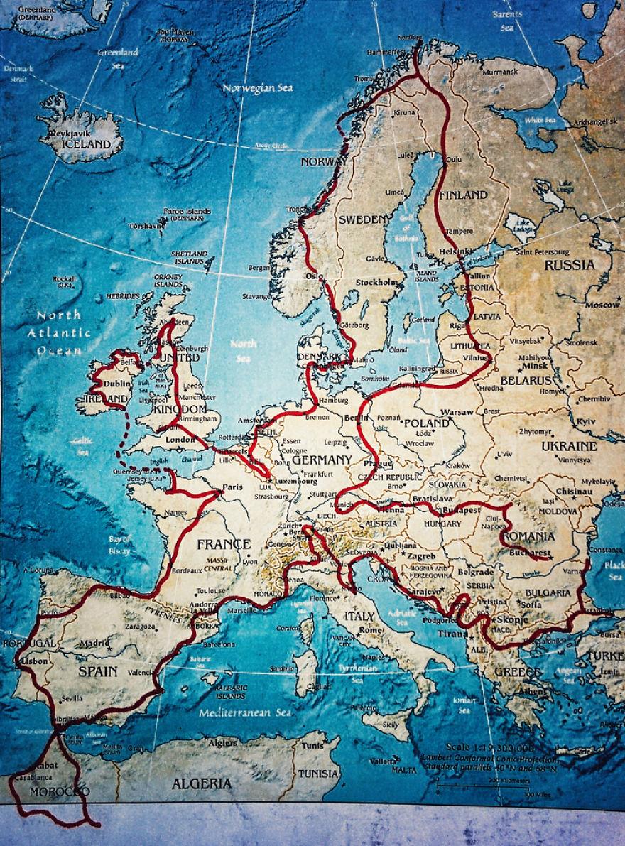 viaje de 28000 km a traves de europa con su hija y su mujer 38