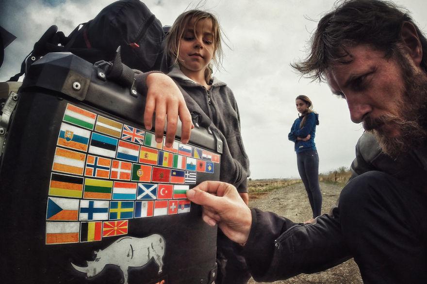 viaje de 28000 km a traves de europa con su hija y su mujer 40