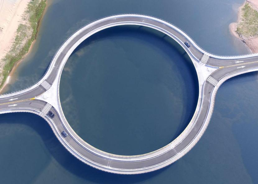 este puente en uruguay tiene forma circular por un motivo 4