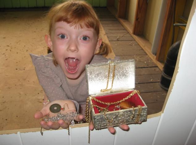 la busqueda del tesoro de una niña de 6 años 10