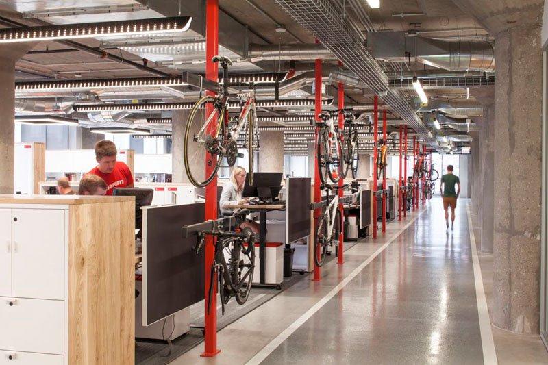 asi son las oficinas de sram, una empresa que fabrica componentes para bicicletas 5