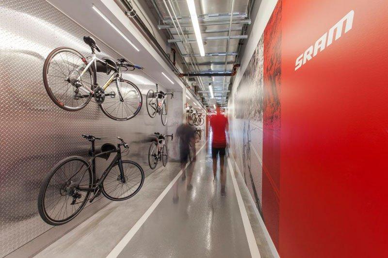 asi son las oficinas de sram, una empresa que fabrica componentes para bicicletas 6