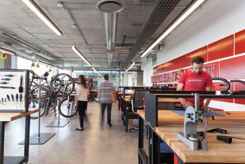 asi son las oficinas de sram, una empresa que fabrica componentes para bicicletas 7