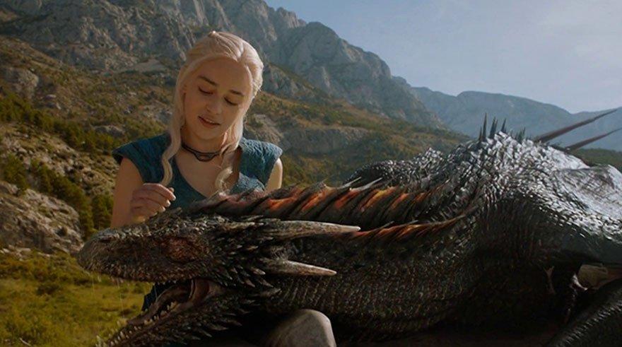 Ya nos gustaría que el dragón fuese de verdad... pero no, es todo digital