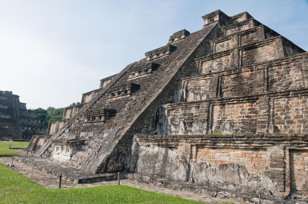 piramide azteca de el taijin veracruz