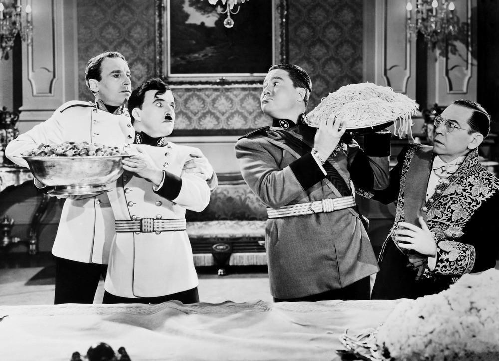 Más detalles Charles Chaplin en El gran dictador (1940).