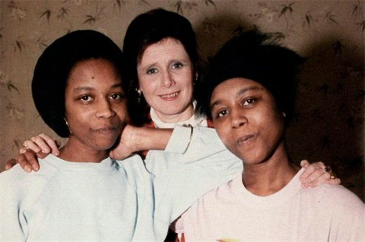 June, Jennifer Gibbons y Majorie Wallace.